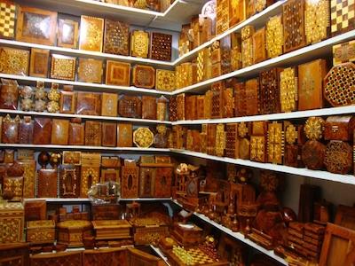Artisanat Marocaine , bois du Thuya,  Essaouira