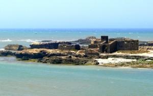 ile de Mogador situé au coeur de l'océan atlantique à la plage d'Essaouira